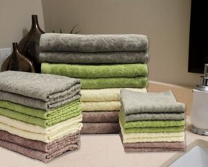 32b4a8605e2d8a5834d1e6330a65d1af--cotton-towels-bath-towels